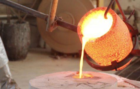 SBCC students explore bronze casting in sculpting class