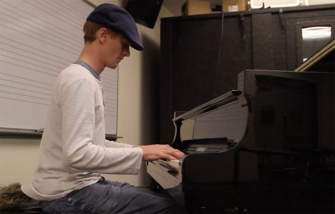 Musical 'virtuoso' overcomes physical injuries to create music