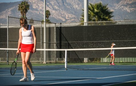 Women's tennis loses to Bakersfield after win streak