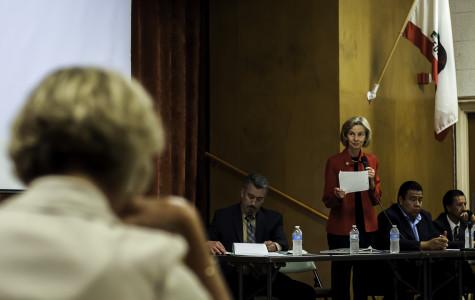 Lois Capps hosts deferred action workshop to prevent deportation