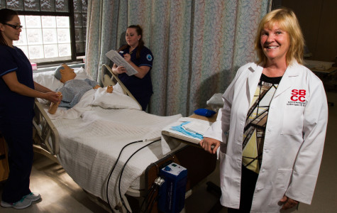 Associate professor wins nation-wide Nurse's Touch Award