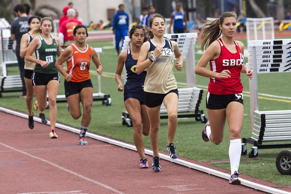 City+College+sophomore+distance+runner%2C+Nicole+Bartlett+%28No.+5%29%2C+competes+in+the+1500-meter+event%0Aat+La+Playa+Stadium+on+Friday%2C+March+21%2C+in+Santa+Barbara.+Bartlett+finished+first+in+the+event+with+a+time+of+4%3A59.70.