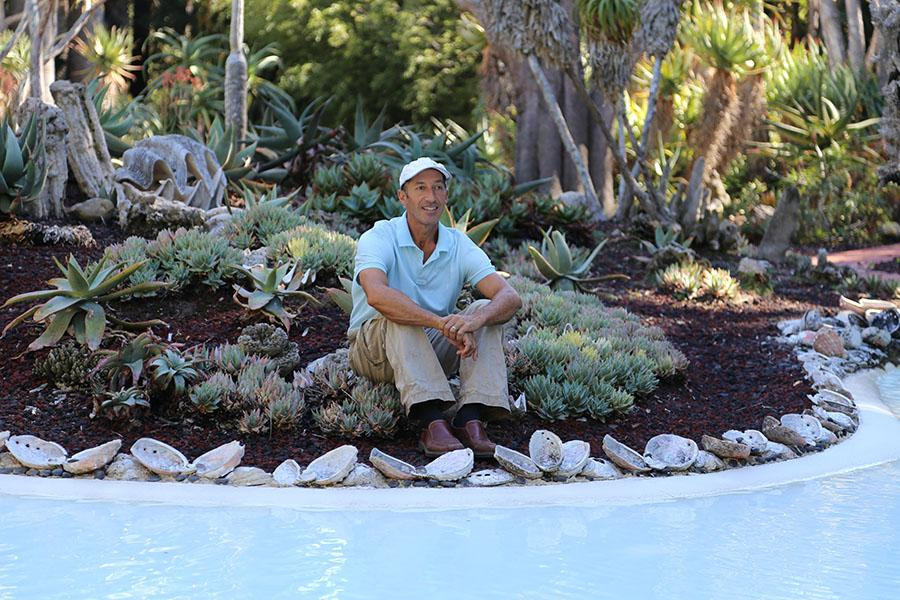 Corey+Welles%2C+the+plant+healthcare+coordinator+for+Lotusland%2C+is+now+leading+the+grounds+crew+for+City+College+sustainable+horticulture%2C+Monday%2C+Oct.+6+at+Lotusland+in+Montecito.+%E2%80%98Healthy+plants+begin+with+healthy+soil%2C%E2%80%99+said+Welles.