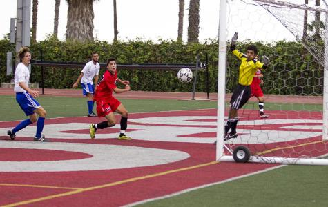 Men's soccer beats Corsairs 4-2 in last home game of season