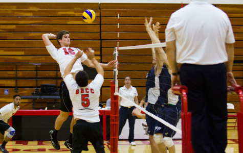 Men's volleyball topples Irvine to win fourth consecutive match