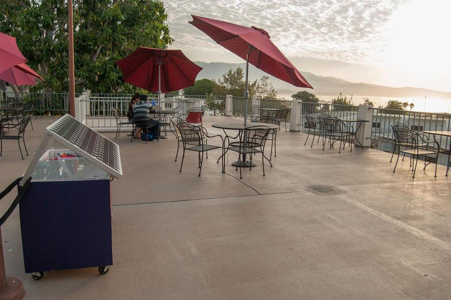 SBCC+club+builds+solar-energy+phone+charger+for+students