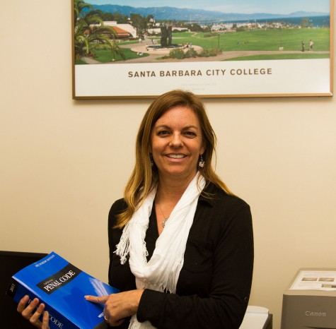 Attorney Robin Unander provides free legal consultations for all currently enrolled Santa Barbara City College students on Tuesdays between 9 a.m-2 p.m. on east campus, in the Office of Student Life. Unander says the most common problems brought to her are about criminal offense issues and landlord/tenant disputes.