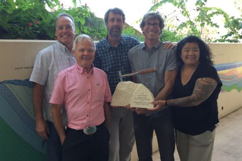 Faculty members (from left) Kevin McNichol, Robert Gray, Jeff Meyer, Bill Dinklage and Eiko Kitao stand with the award bestowed upon the City College Geology department.