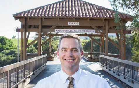 David Saunders, the new justice studies professor, on the bridge Sept. 27 at City College. Saunders is the new Justice Studies instructor and was awarded Outstanding Investigator of the Year by the Ventura County District Attorney's office in 2002.