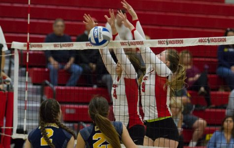 Vaqueros women's volleyball loses non-conference match