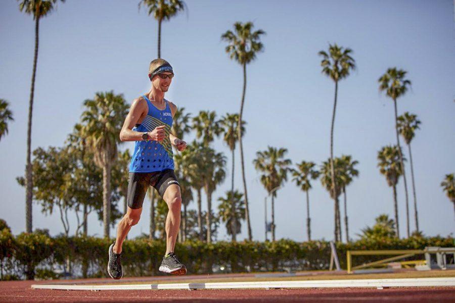 Cross country runner breaks world record at La Playa stadium