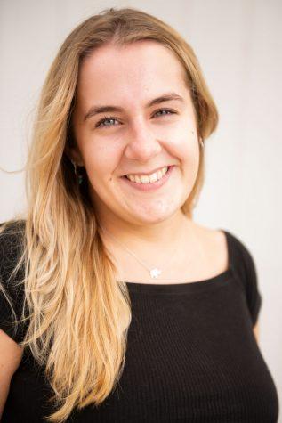 Valerie van den Broek, Features Editor