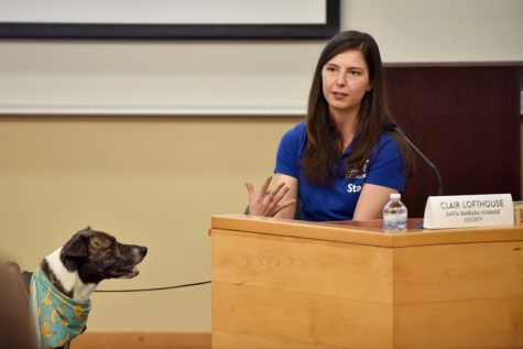 "Clair Lofthouse speaks to students, with her adopted dog Jessie, during the City College Career Centers event ""How I Made it Working With Animals"" in Santa Barbara, Calif., on Wednesday, Oct. 3, 2018."