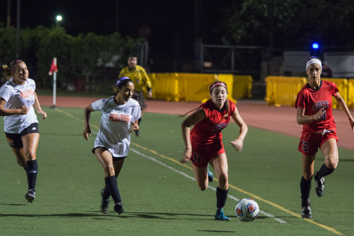Isabella Viana (No. 11) beats Ventura College's midfielders to the ball as the Vaqueros continued to put pressure on the Pirates on Friday, Oct. 12, 2018, at La Playa Stadium in Santa Barbara, Calif. City College defeated Ventura College 3-1.