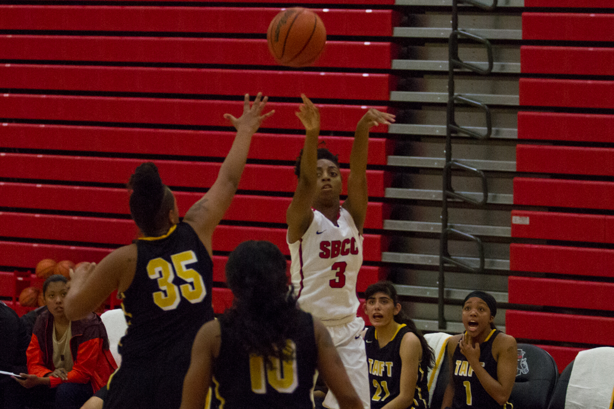City College shooting guard Meagan Moore (No. 3) shoots the ball during their match against Taft College on Friday, Nov. 3, at the Sports Pavilion at City College in Santa Barbara, Calif. The Lady Vaqueros won their first game of the season, 69-68.