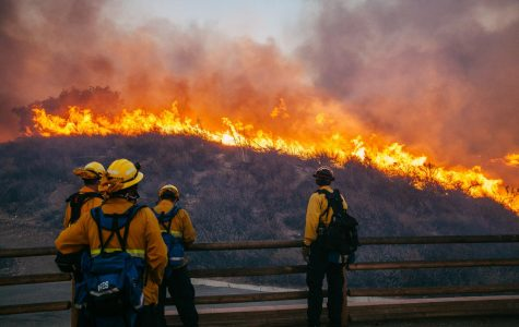Channels photographer evacuates from Woolsey Fire