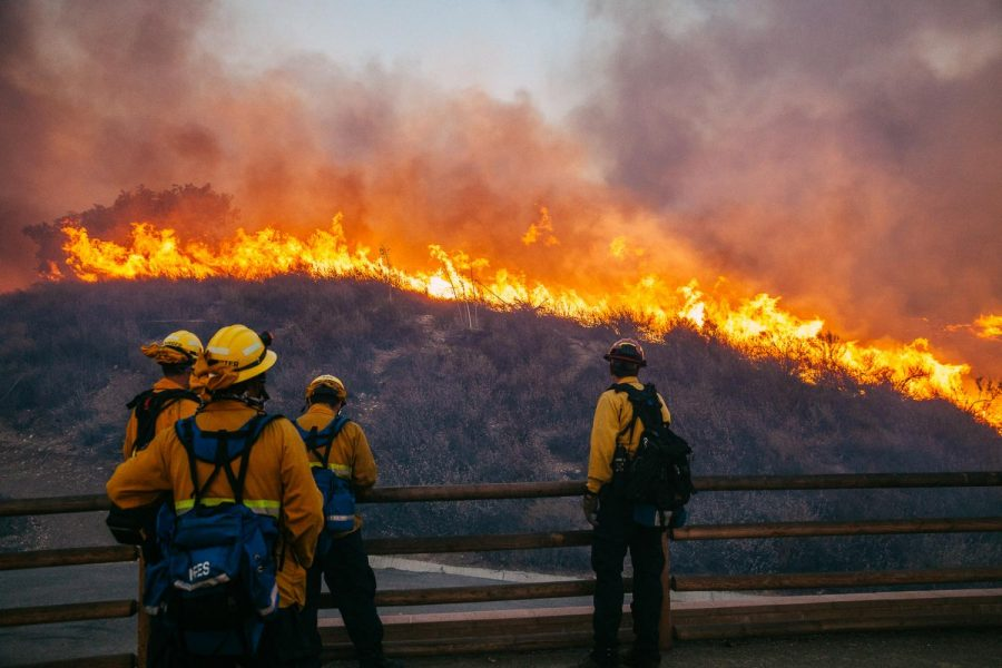 Fire+Fighters+from+the+Orange+County+Fire+Authority+battle+the+Woolsey+Fire+as+it+burns+the+hillside+near+West+Lake+High+School+on+Friday%2C+Nov.+9%2C+2018%2C+in+Thousand+Oaks%2C+Calif.+Roughly+75%2C000+homes+in+both+Ventura+and+Los+Angeles+counties+have+been+evacuated.