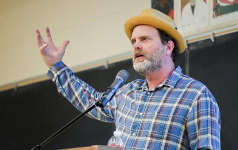 Actor Rainn Wilson lectures on importance of diversity, religion