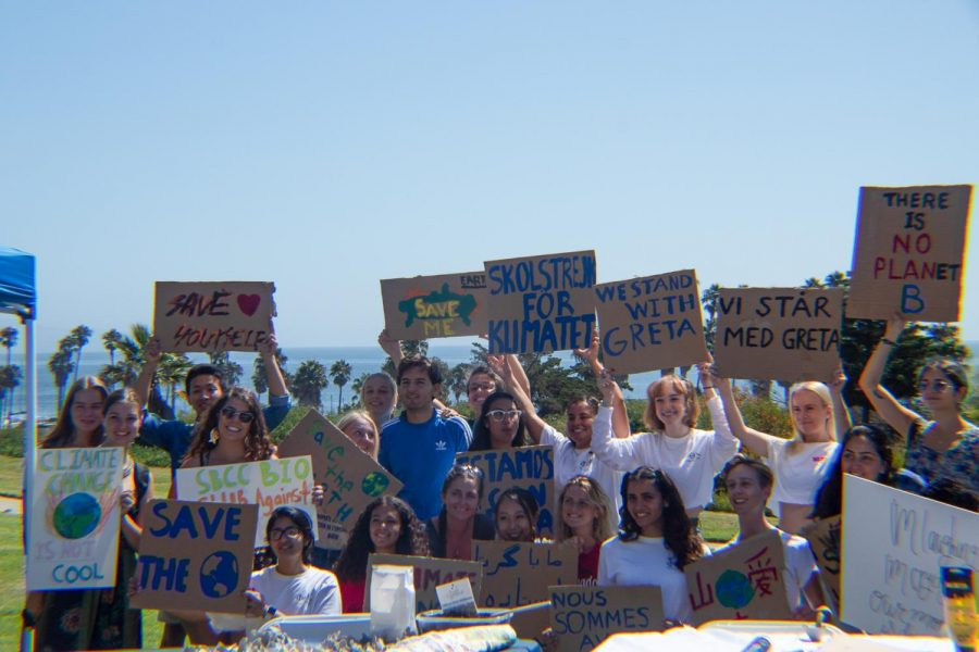 Protesters+gathered+to+show+their+signs+towards+the+end+of+the+strike+to+spread+the+word+about+climate+change%2C+on+Sept.+20%2C+2019%2C+on+West+Campus+at+City+College+in+Santa+Barbara%2C+Calif.