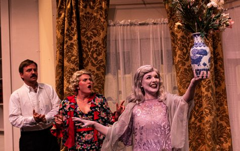 SBCC Theater Group opens season with strong start with 'Blithe Spirit'