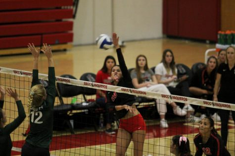 SBCC women's volleyball sweeps Moorpark in front of loud crowd