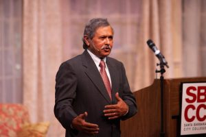 Dr. Utpal K. Goswami answers audience questions Thursday, Oct. 24 in the Garvin Theatre at City College.
