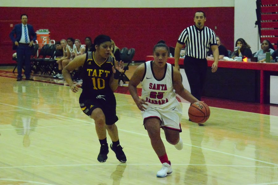 Alondra Jimenez (No. 25) dribbles past defender Ciera Van Quick (No. 10) during the Vaqueros game against Taft College on Friday, Nov. 1, 2019, in the Sports Pavilion at City College in Santa Barbara, Calif. The Vaqueros won the game 77-43.