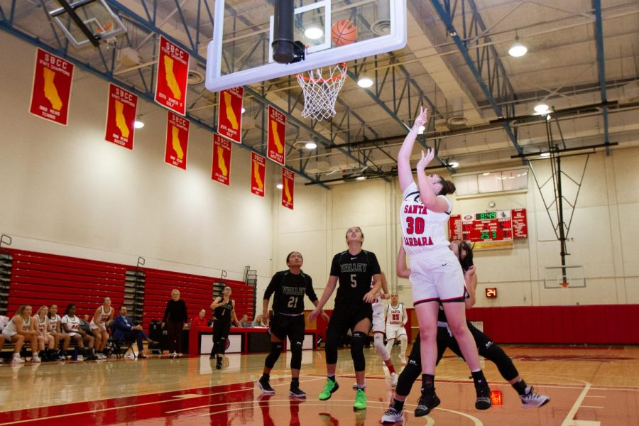 Freshman+forward+and+center+player+Alyssa+De+Vries+shoots+and+scores+two+points+contributing+to+the+win+for+the+Vaqueros+against+the+LA+Valley+College+Monarchs+on+Thursday+night%2C+Nov.+21%2C+2019%2C+in+the+Sports+Pavilion+at+City+College+in+Santa+Barbara%2C+Calif.+The+Vaqueros+are+now+5-1+in+their+league+after+a+final+score+of+80-56+against+The+Monarchs.