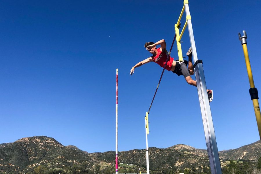 Vaqueros+Pole+Vaulter+Brett+Craft+clears+4.4+meters+%2814%E2%80%995%E2%80%9D%29+at+his+first+college+track+meet+on+Saturday%2C+Feb.+1%2C+2020+at+Westmont+College+is+Santa+Barbara%2C+Calif.