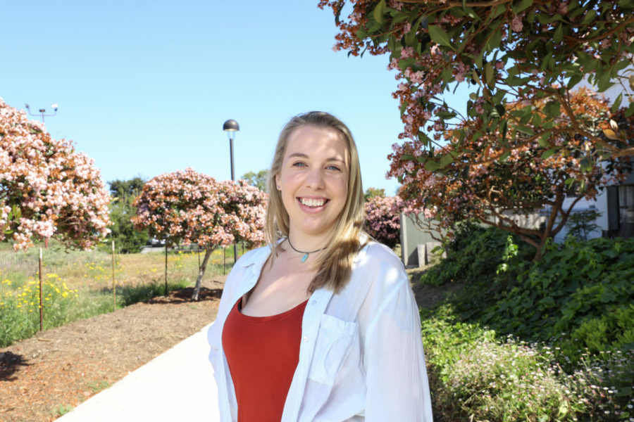 Amanda Lunsford, the local chapter leader of the Young People in Recovery group, on East Campus at City College in Santa Barbara, Calif. Lunsford hosts Rainbow Recovery and other LGBTQ+ YPR online support groups.