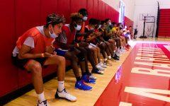 Navigation to Story: Men's basketball prepares for the first games in a year and a half